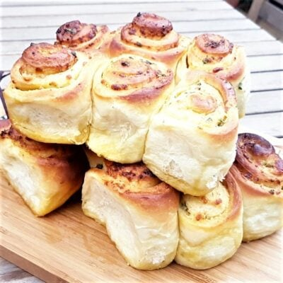 Cheesy Garlic Rolls