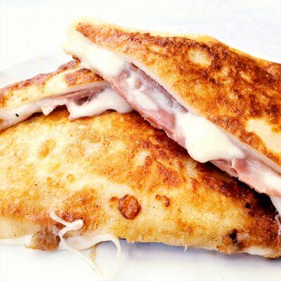 Eggy Fried Cheese Sandwich (Mozzarella Carrozza)