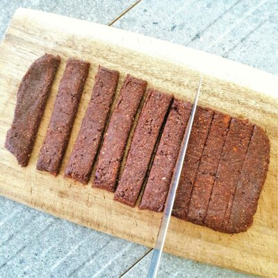 Cocoa Orange Date Bars – Nakd Copycat (Vegan & Gluten Free)